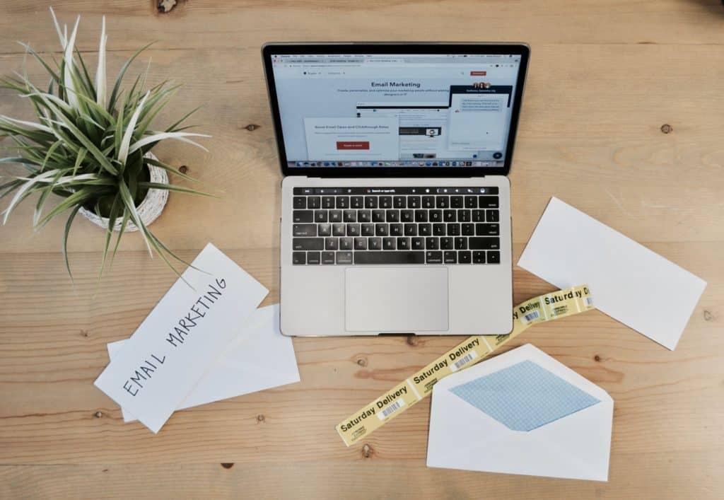 如何通知 WordPress 網站訪客,他們的留言已經被你回覆了? | 21